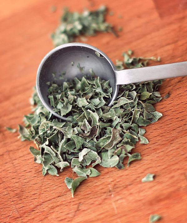 There are so many good reasons to season your favorite savory dishes with oregano! Among the herb's attributes are fiber, iro