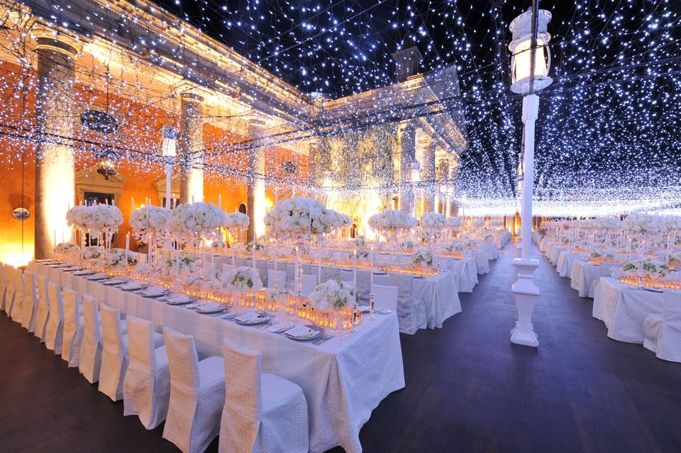 Below Are 19 Magical Lighting Ideas That Will Leave Your Guests Positively Spellbound