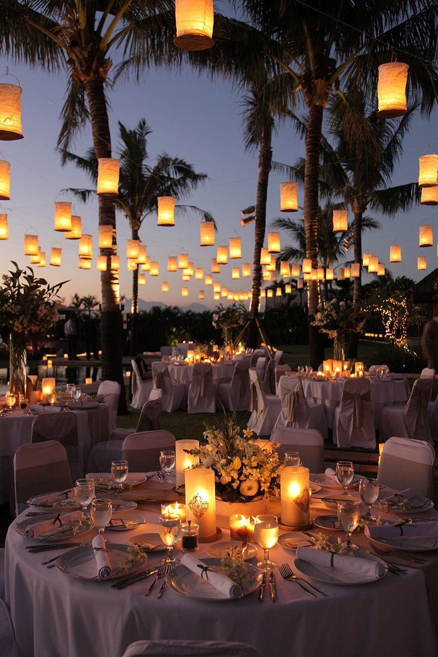 Backyard wedding lighting ideas Elegant Below Are 19 Magical Lighting Ideas That Will Leave Your Guests Positively Spellbound Pinterest 19 Wedding Lighting Ideas That Are Nothing Short Of Magical