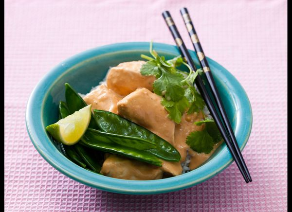 "<strong>Get the <a href=""https://www.huffpost.com/entry/thai-spicy-peanut-sauce-w_n_1056965"" target=""_hplink"">Thai Spicy Pean"
