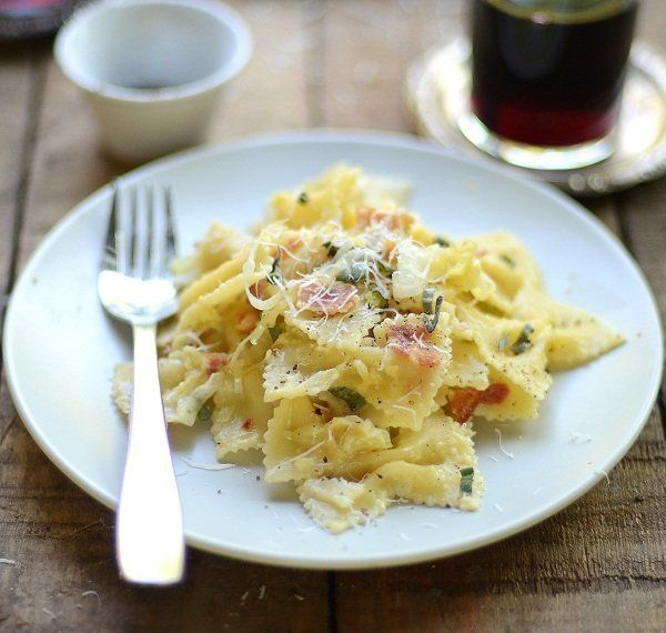 """<strong>Get the <a href=""""http://www.versesfrommykitchen.com/2011/09/farfalle-carbonara-with-pancetta-and-sage.html"""" target=""""_"""