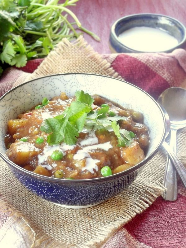 "<strong>Get the <a href=""http://www.connoisseurusveg.com/?s=slow+cooker"" target=""_blank"">Slow Cooker Indian Curry Potato Soup"