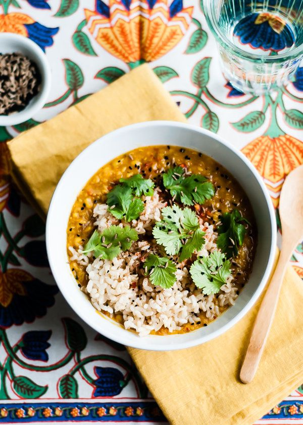 "<strong>Get the <a href=""http://cafejohnsonia.com/2014/02/slow-cooker-red-lentil-dal-recipe.html"" target=""_blank"">Slow Cooker"