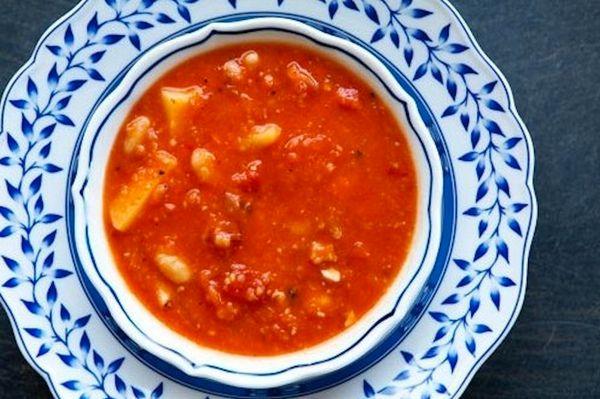"<strong>Get the <a href=""http://www.simplyrecipes.com/recipes/tomato_white_bean_bacon_soup/"">Tomato, White Bean & Bacon Soup<"