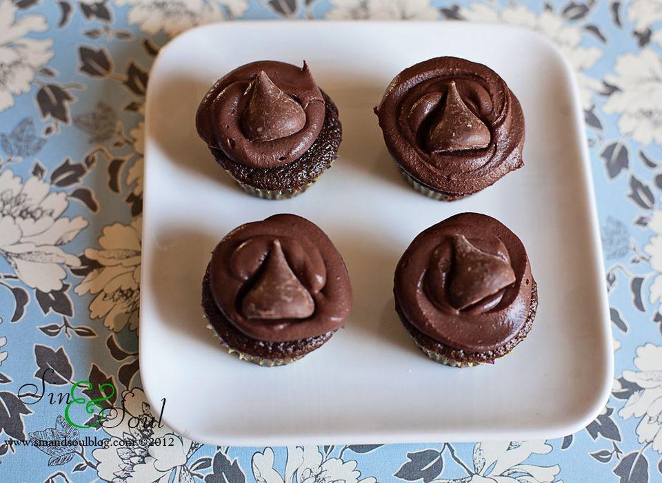 Sinful Chocolate Hersheys Kiss Mini Cupcakes