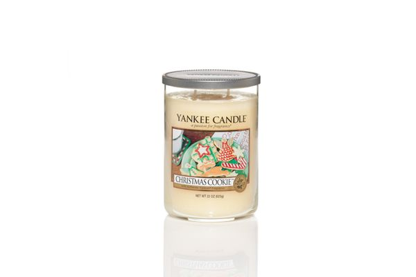 """<strong>Score</strong>: 6.18 <br><strong>What the <a href=""""http://www.yankeecandle.com/fragrance/christmas-cookie/_/N-1z140yo"""