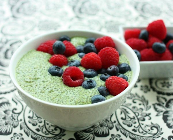"<strong>Get the <a href=""http://www.choosingraw.com/matcha-green-tea-chia-pudding/"" target=""_blank"">Matcha Green Tea Chia Pud"