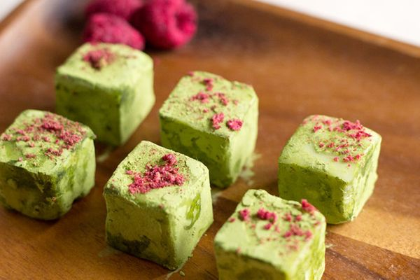 "<strong>Get the <a href=""http://www.ohhowcivilized.com/blog/2013/2/12/step-by-step-recipe-matcha-truffles.html"" target=""_blan"