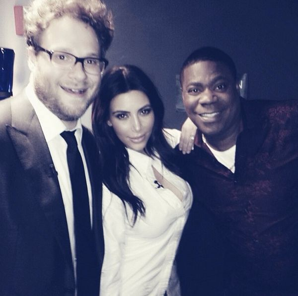 You guys watching Jimmy Fallon tonight? Fun behind the scenes pic with these funny guys, Seth Rogen & Tracy Morgan