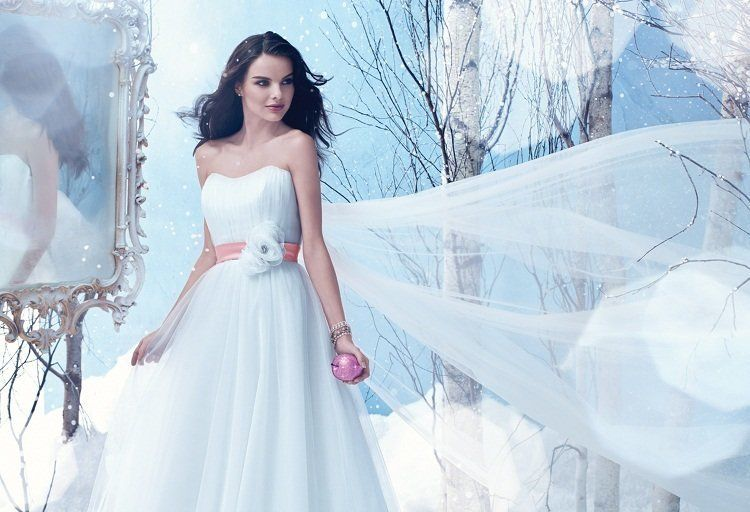 """Channel your inner Disney princess in this Snow White-inspired concoction. Get it <a href=""""http://www.alfredangelobridal.ca/C"""