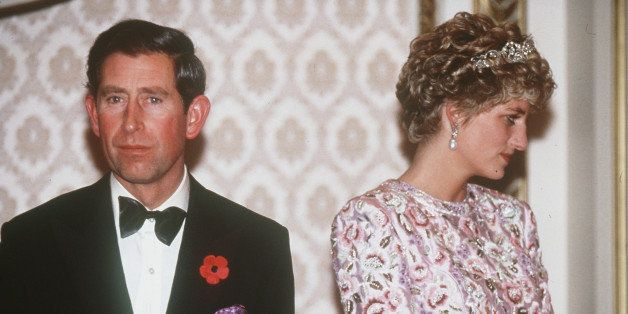 desperate prince charles wanted to back out of his wedding to princess diana new book claims huffpost life wedding to princess diana