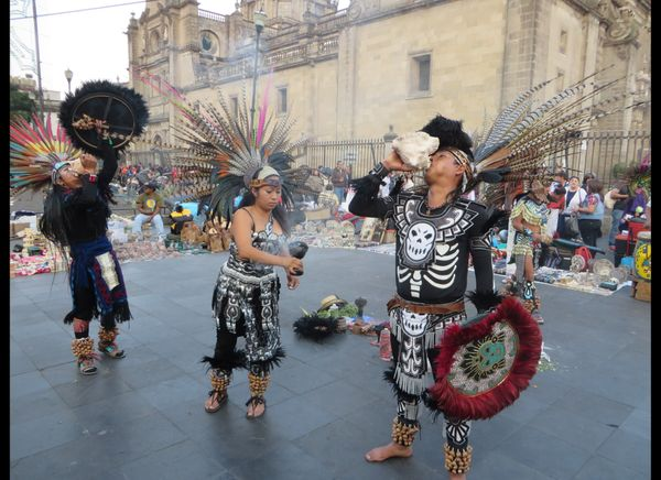 Entertainers keep the pre-Columbian vibe going at the zocalo
