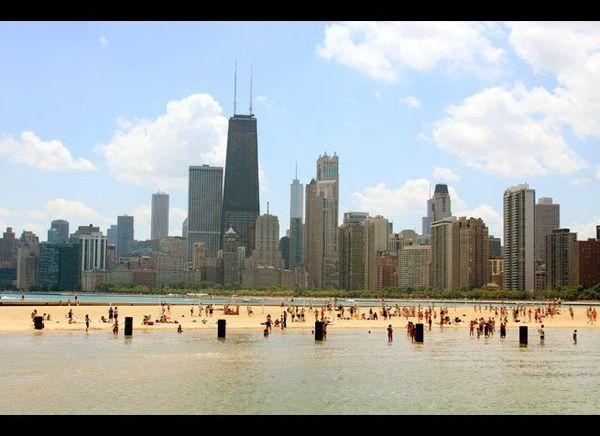 <em>Photo Credit: Blueelephant   Dreamstime.com</em>  Contrary to popular belief, Chicago weather does get hot. When it doe