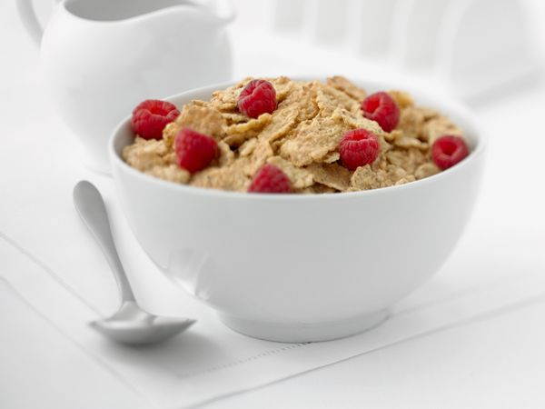 "<strong>4-6 months opened<br> 6-8 months unopened<br></strong><br> Buying <a href=""http://www.eatbydate.com/grains/cereal/cer"