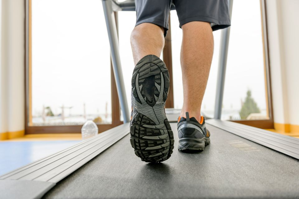 """Most runners have a love-hate relationship with the treadmill. On the one hand, it's boring and <a href=""""https://www.huffpost"""
