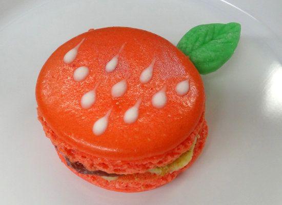 "<strong>Get the <a href=""http://macaronmafia.wordpress.com/2011/09/11/strawberry-cheesecake-macarons/"">Strawberry Cheesecake"