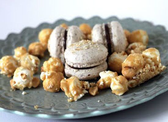"<strong>Get the <a href=""http://www.thesweetart.com/2011/05/salted-caramel-popcorn-macarons.html"">Salted Caramel Popcorn Maca"