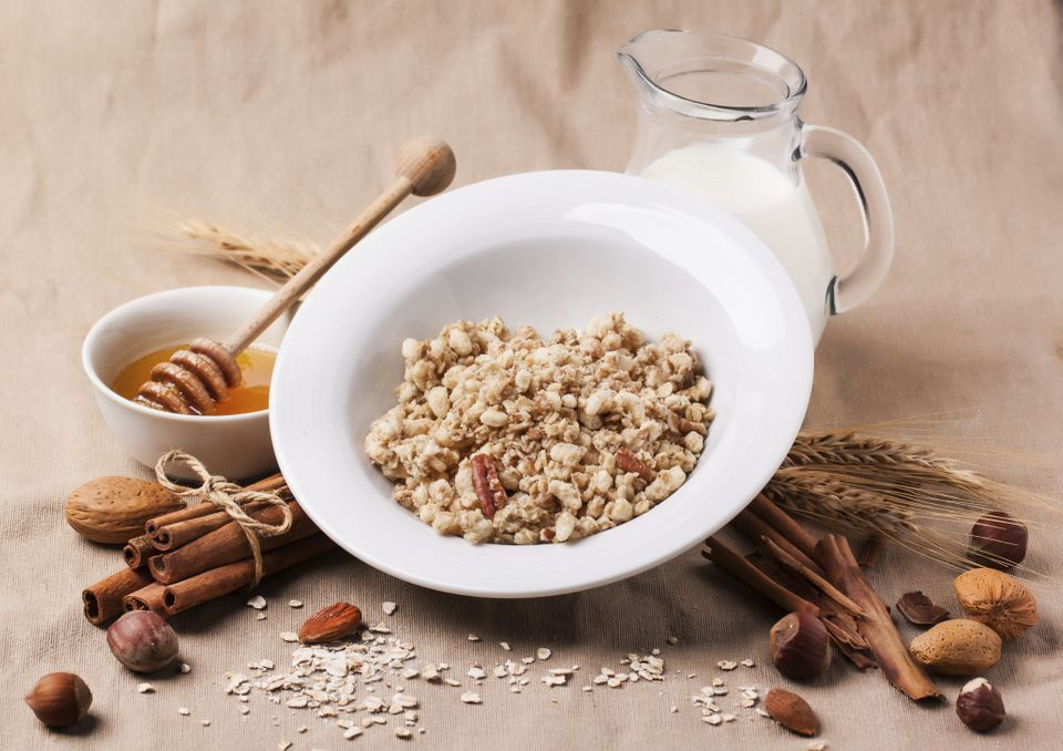 When To Eat: 90 minutes before bedtime<br> How Much: 1/2 cup cooked oatmeal, 1 cup milk, 1 teaspoon honey <br><br> Heart-heal
