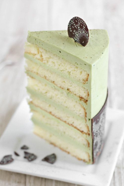 "<strong>Get the <a href=""http://www.sprinklebakes.com/2013/07/matcha-almond-layer-cake-with-meringue.html"" target=""_blank"">Ma"