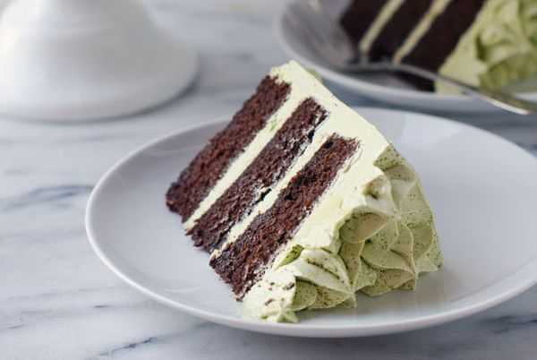 "<strong>Get the <a href=""http://cakemerchant.com/2014/10/01/dark-chocolate-matcha-layer-cake/"" target=""_blank"">Dark Chocolate"