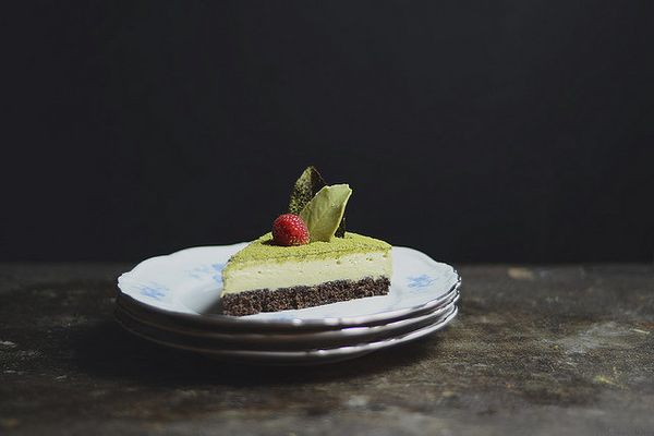 "<strong>Get the <a href=""http://www.abrowntable.com/home/matcha-chocolate-mousse-cake"" target=""_blank"">Matcha Chocolate Mouss"