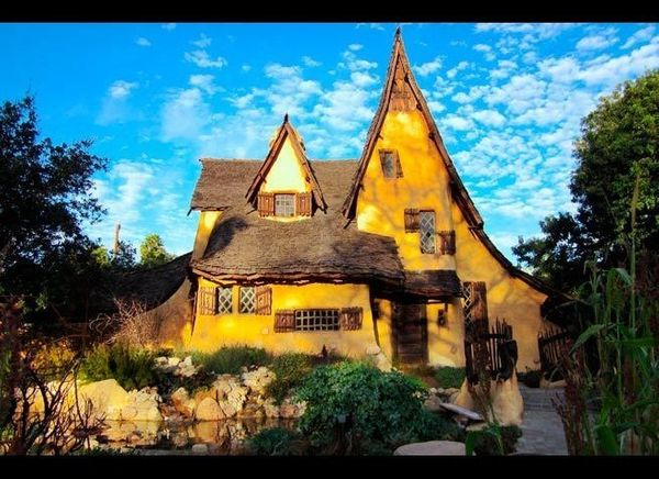 """<em>Photo Credit: Mitchblatt 