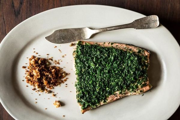 """<strong>Get the <a href=""""http://food52.com/recipes/19824-aromatic-poached-salmon-with-rye-and-caper-breadcrumbs"""" target=""""_bla"""
