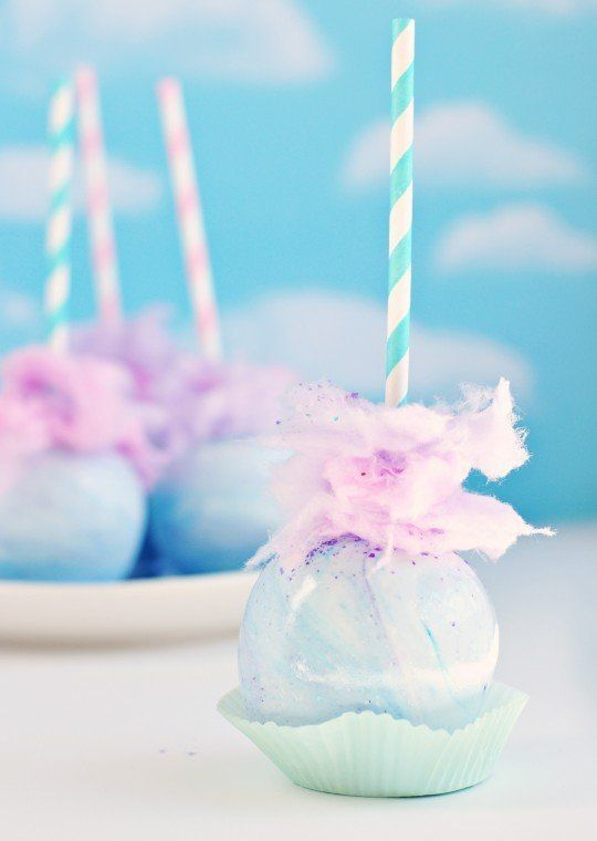 """<strong>Get the <a href=""""http://sweetapolita.com/2012/10/whimsical-pastel-swirl-cotton-candy-apples/"""" target=""""_blank"""">Whimsic"""