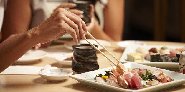 Japan, Sushi, chop sticks, eating, restaurant, tea, table, couple