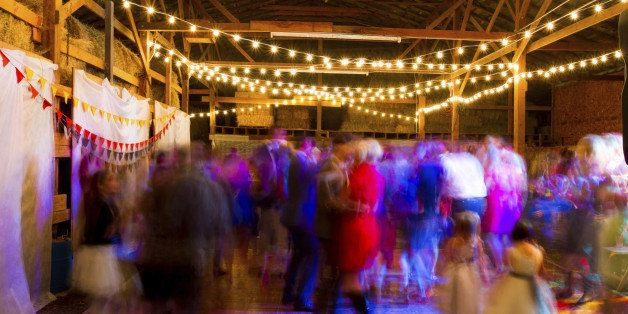A Long Slow Shutter Sd Was Used To Blur The Crowd And Create Sense Of Motion At This Wedding Reception Dance Party In An Old Barn Oregon Night