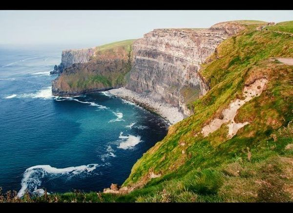 <em>Photo Credit: Madrugada Verde / Shutterstock</em>  The Emerald Isle looks awfully shiny this season, with deals from Aer