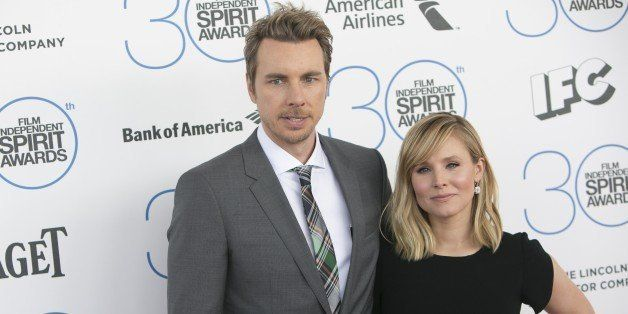 Kristen Bell and Dax Shepard arrive at the 2015 Independent Spirit Awards on February, 21, 2015, in Santa Monica, California.AFP PHOTO/ADRIAN SANCHEZ-GONZALEZ        (Photo credit should read ADRIAN SANCHEZ-GONZALEZ/AFP/Getty Images)