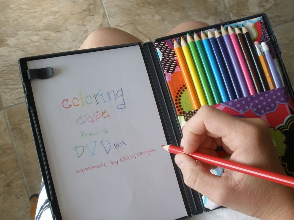 Creating a colouring case from a DVD box is a brilliant idea! This way you can easily store and carry around all your supplie