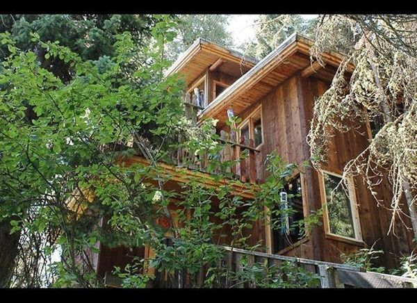 <em>Courtesy of A Teton Tree House</em>  Where: Jackson Hole, Wyoming  An extension of Jackson Hole's nature-driven culture,