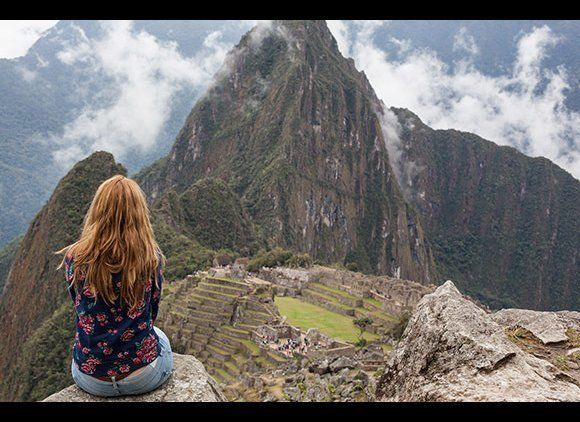 """A <a href=""""http://www.smartertravel.com/blogs/today-in-travel/how-to-hike-the-inca-trail.html?id=16396136"""" target=""""_blank""""> h"""