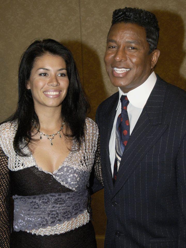 Alejandra Oaziaza : la femme qui a eu des enfants avec les deux frères de Michael Jackson