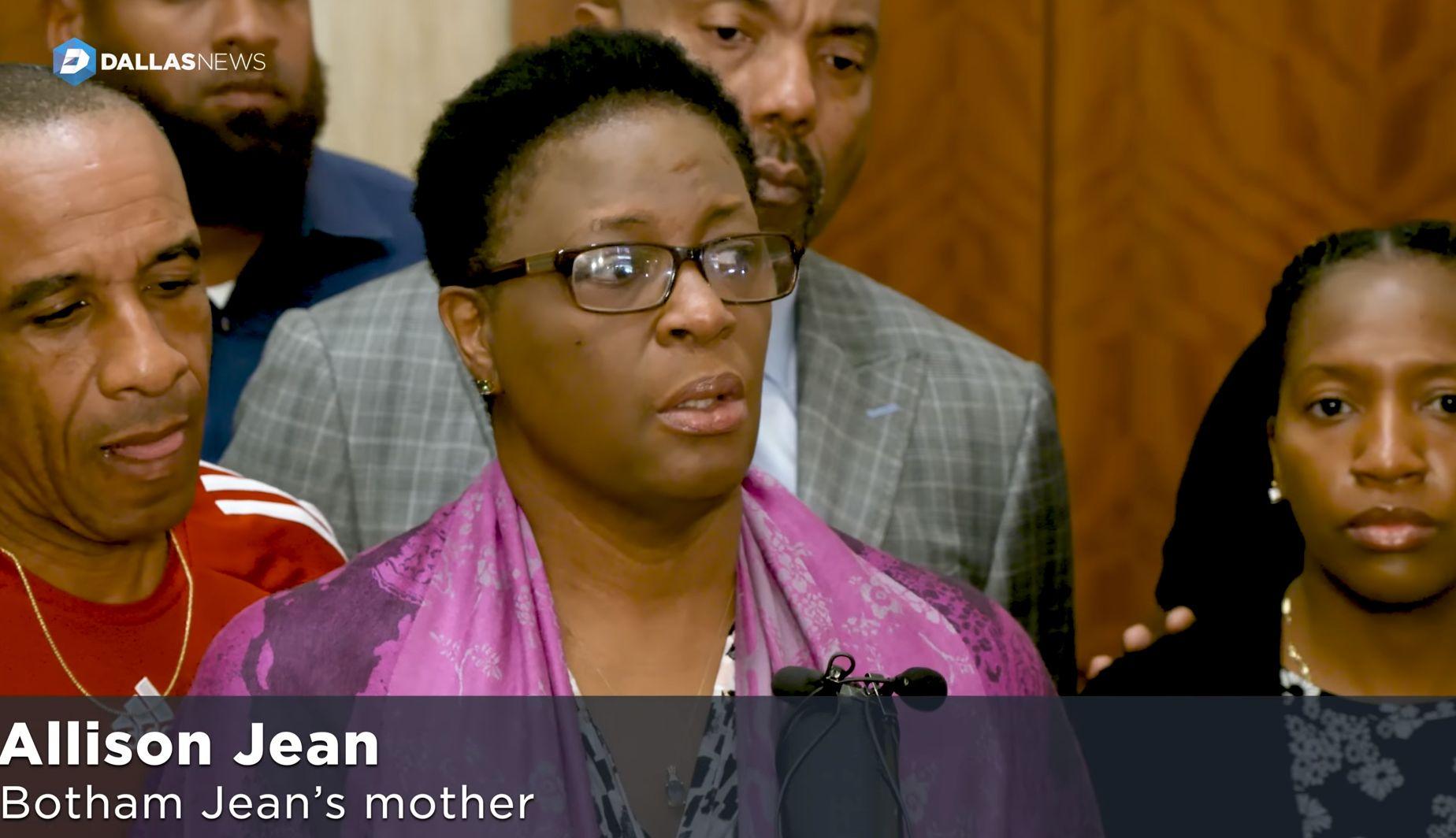 댈러스 경찰의 흑인 주민 사살 사건 수사가 엄청난 욕을 먹고 있는