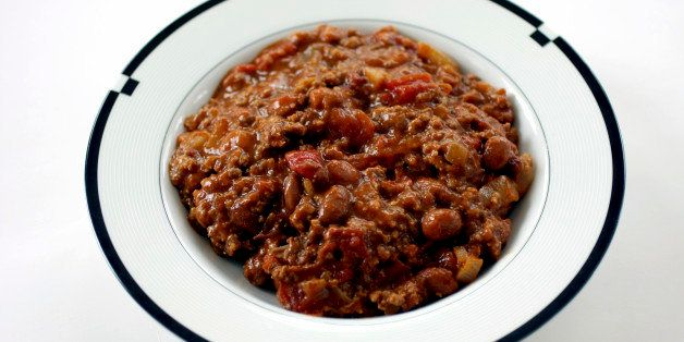 A bowl of spicy ground beef and bean chili.