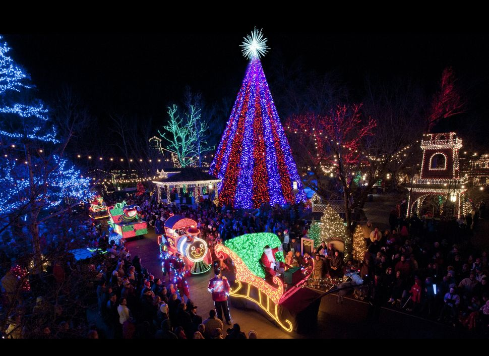 """<strong>Where: </strong>Branson, Missouri  Known as the <a href=""""http://bransonchristmas.info/branson-attractions/new-ozark-m"""