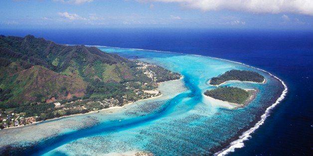 FRENCH POLYNESIA - FEBRUARY 9: Hauru point, Motu Fareone, Motu Tiahura, Mo'orea, aerial view, Society islands, French Polynesia. (Photo by DeAgostini/Getty Images)
