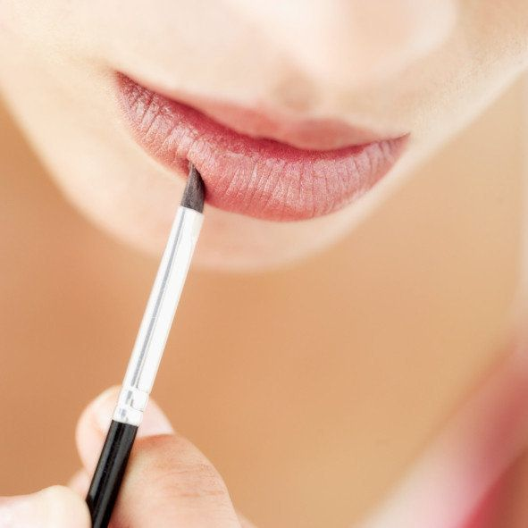 Can Sharing Lipstick, Lip Balm Or Cigarettes Give You Herpes