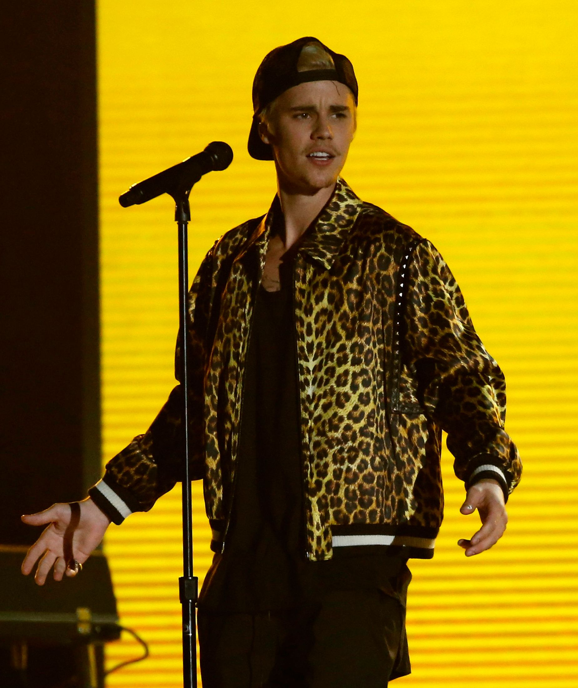 """Justin Bieber performs """"Where are U Now"""" with Jack U (not pictured) at the 58th Grammy Awards in Los Angeles, California February 15, 2016.  REUTERS/Mario Anzuoni"""
