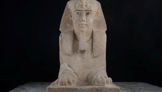 Σφίγγα σε άριστη κατάσταση ανακάλυψαν οι αρχαιολόγοι στην Αίγυπτο. Βρέθηκε κατά την άντληση υδάτων από