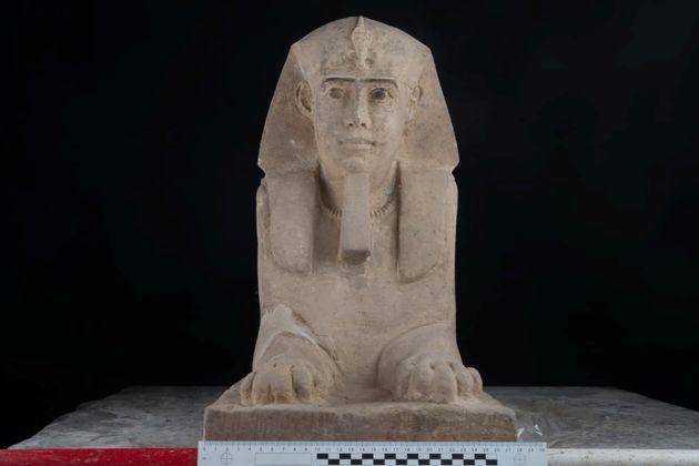 Μια νέα Σφίγγα σε άριστη κατάσταση ανακάλυψαν οι αρχαιολόγοι στην Αίγυπτο. Εντοπίστηκε κατά την άντληση...