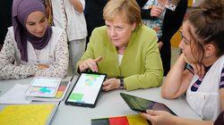 A Alger, Merkel a visité le lycée Aicha Oum El Mouminine, membre du réseau mondial d'enseignement de