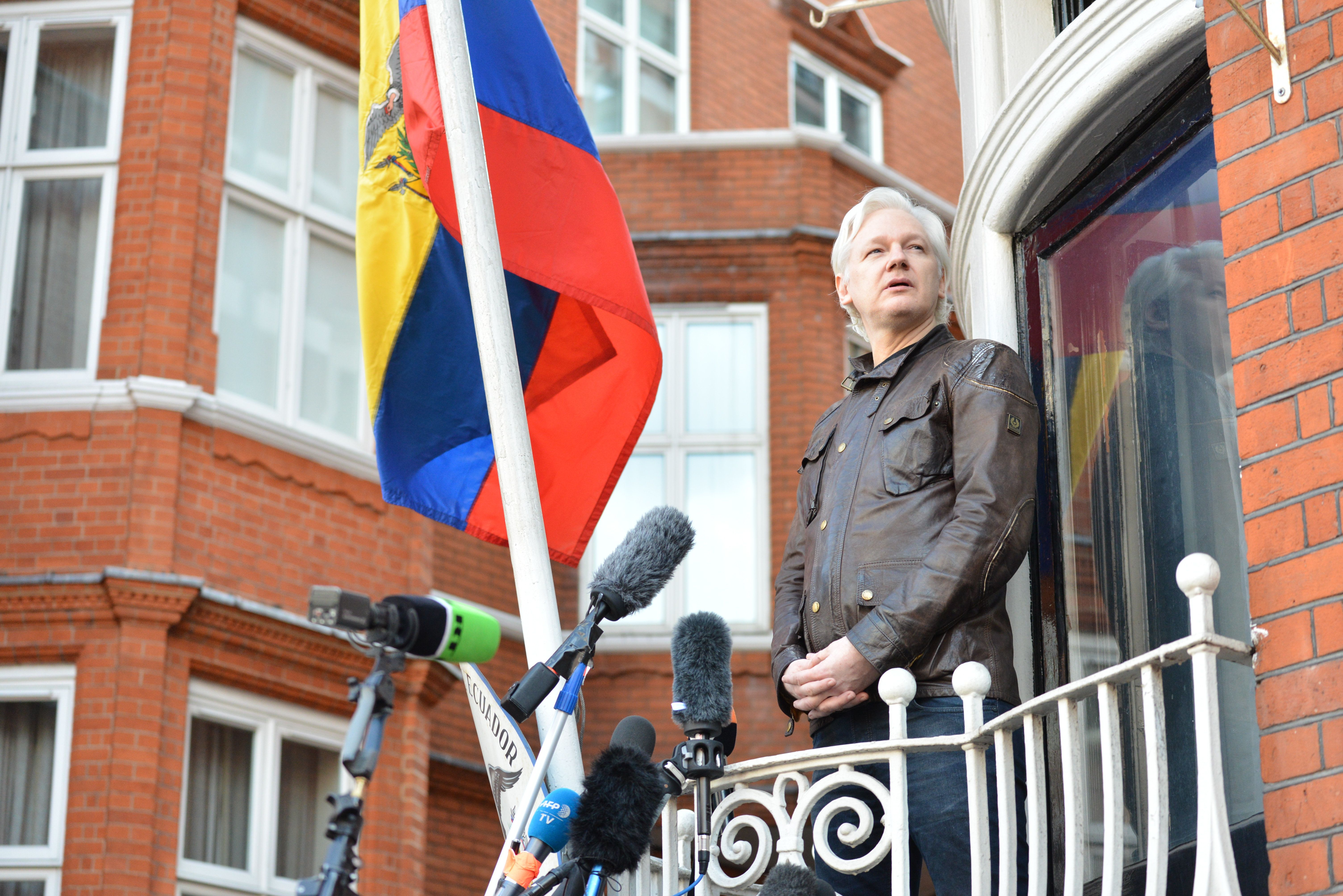 Leaked Documents Reveal Julian Assange's Bid For Russian Visa In
