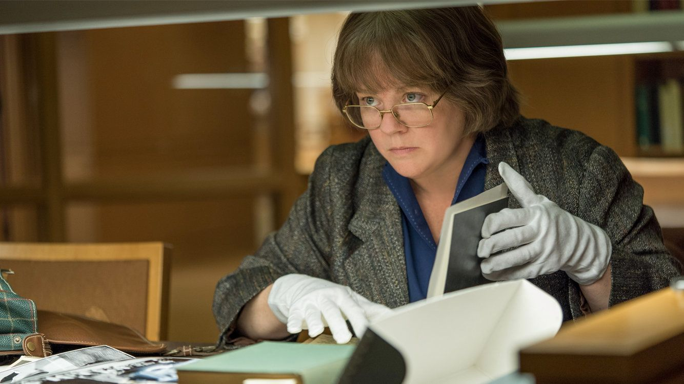 """Melissa McCarthy merits early awards buzz for """"Can You Ever Forgive Me?"""""""