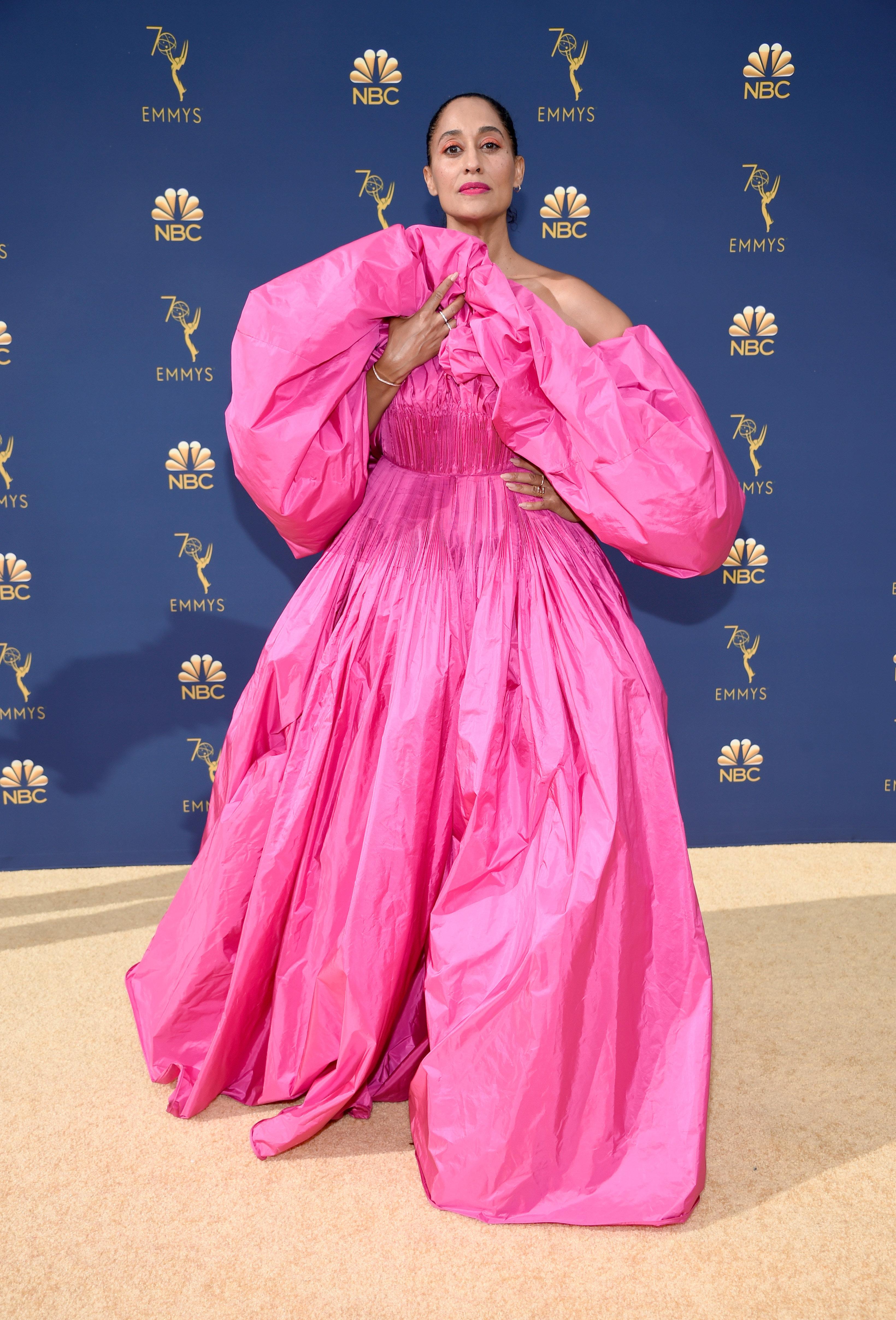 robe de soirée rose bouffante Tracee Ellis Ross Emmys 2018