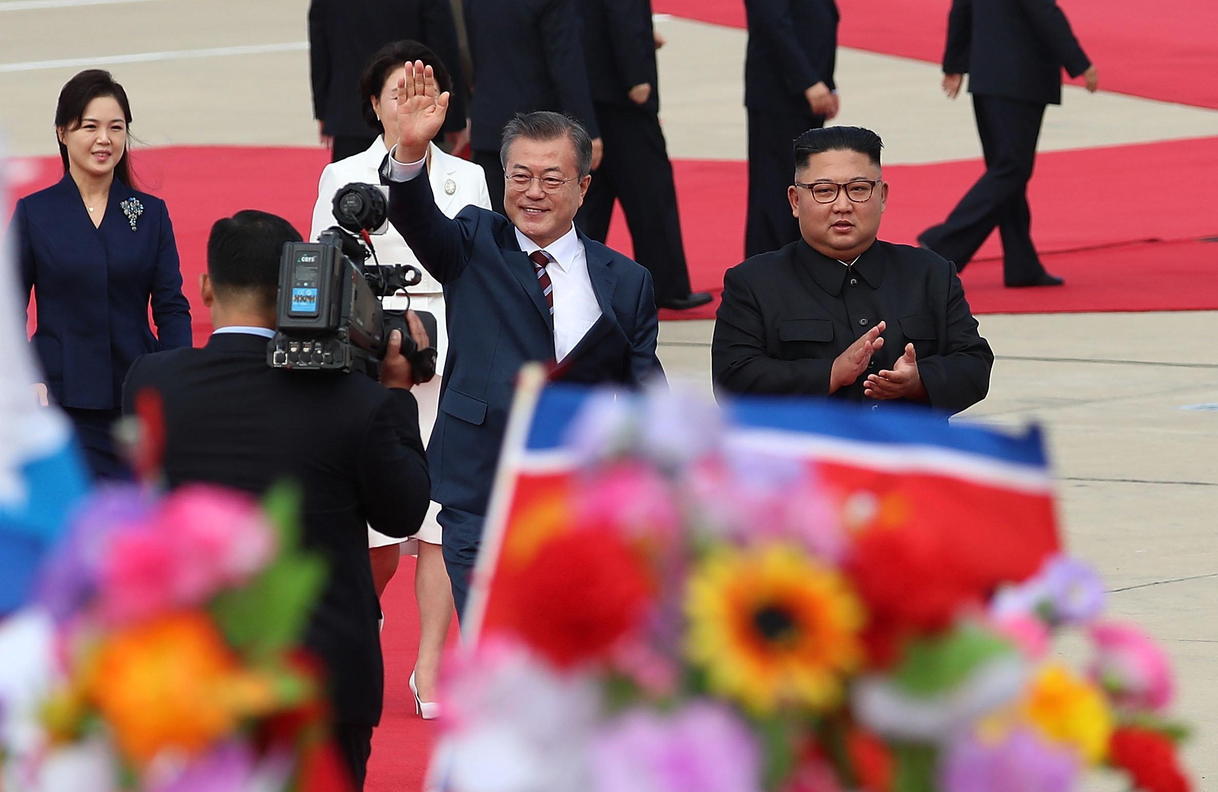 [남북정상회담] 문재인 대통령이 평양 순안공항에 도착했다