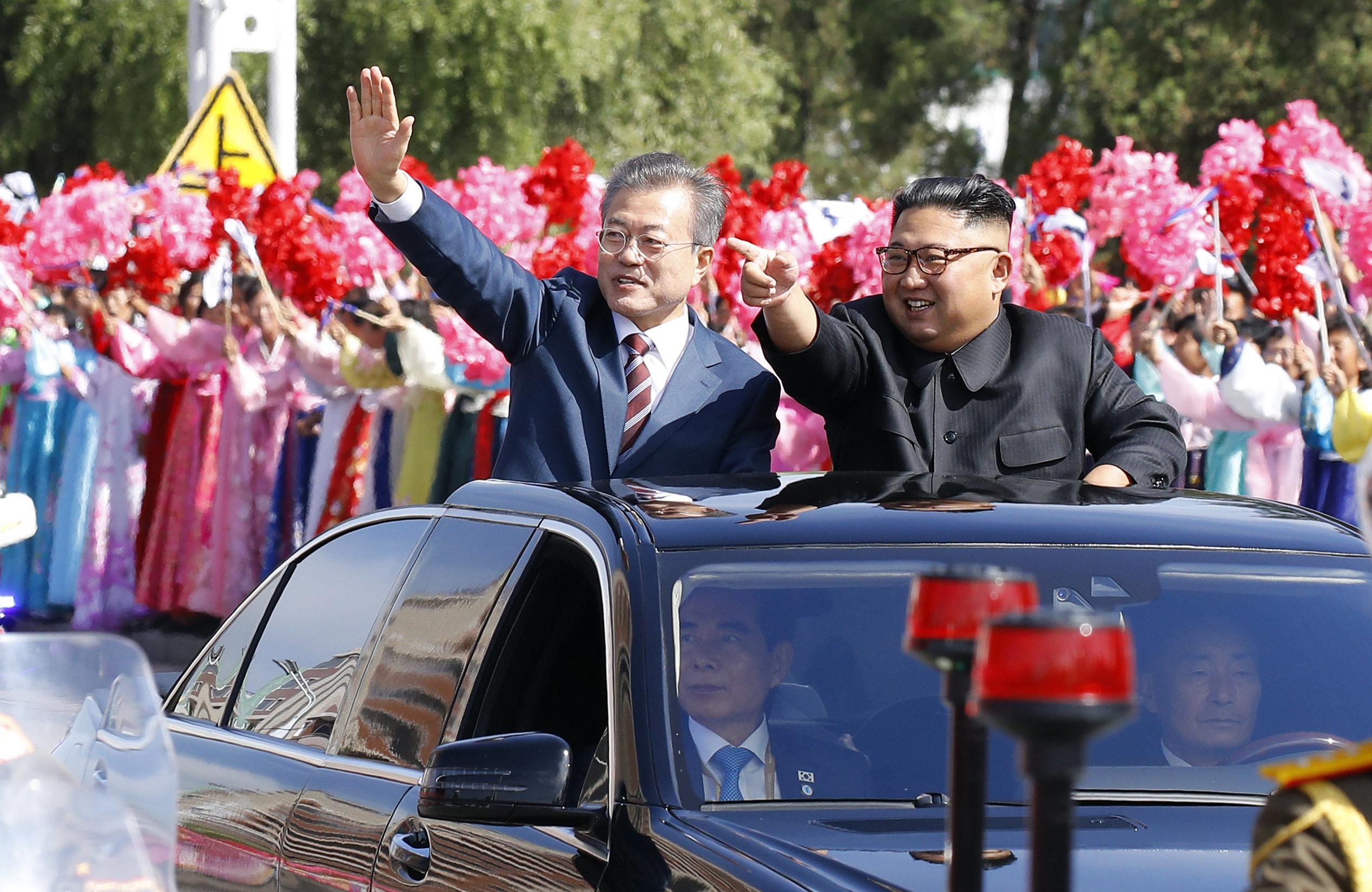 [남북정상회담] 남북 정상 '카퍼레이드'를 지켜본 평양 주민들의 모습 (화보)